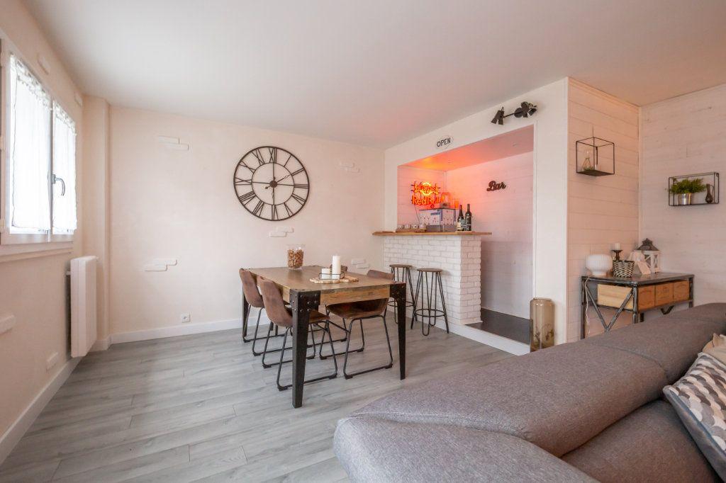 Appartement à vendre 4 69.36m2 à Villiers-sur-Marne vignette-6