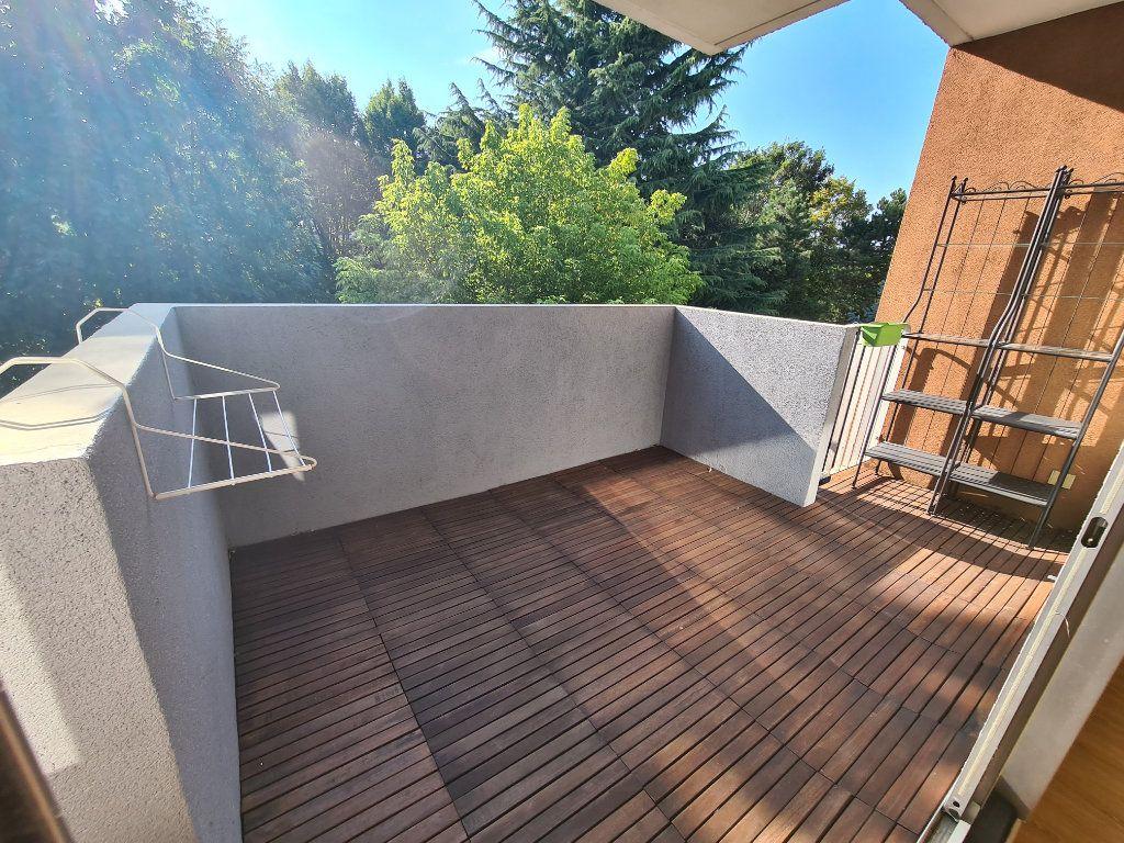 Appartement à louer 3 65.79m2 à Noisy-le-Grand vignette-1