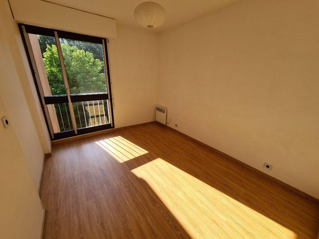 Appartement à louer 3 65.79m2 à Noisy-le-Grand vignette-5