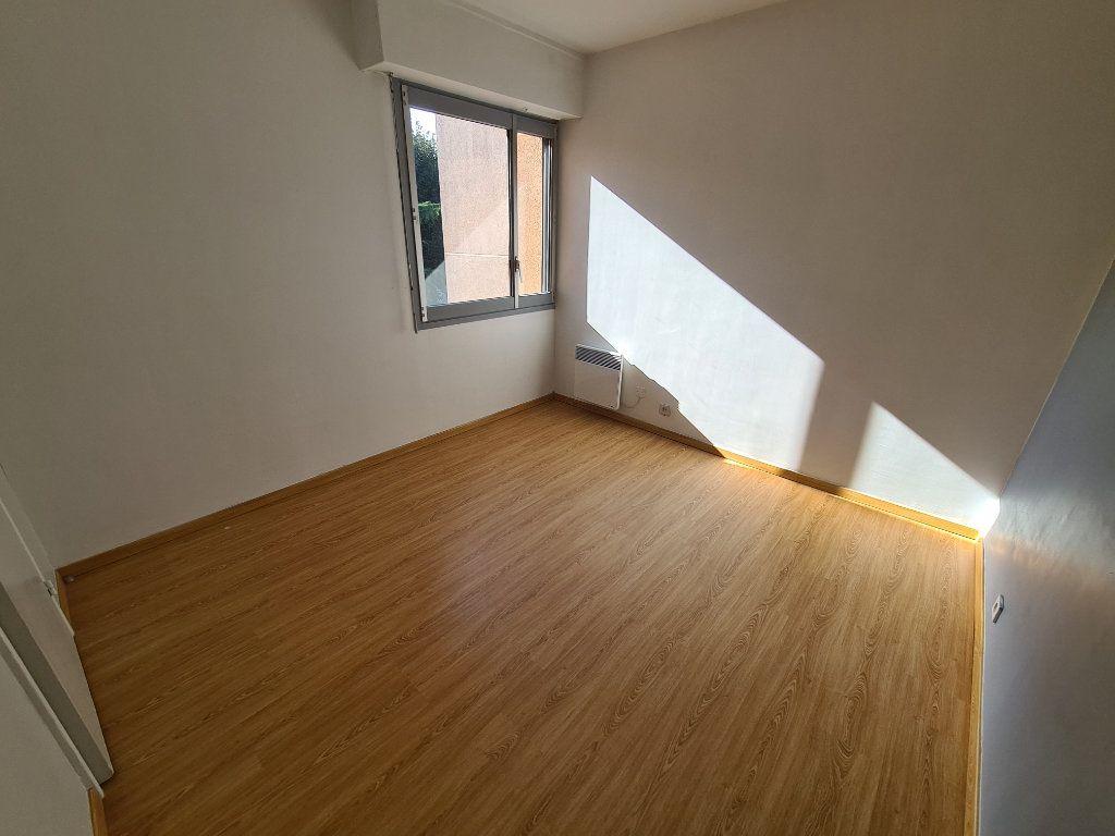 Appartement à louer 3 65.79m2 à Noisy-le-Grand vignette-6