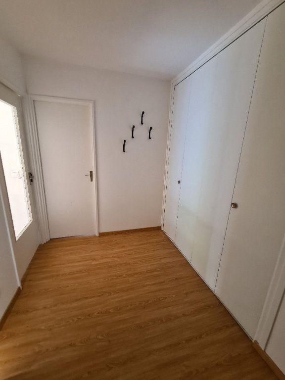 Appartement à louer 3 65.79m2 à Noisy-le-Grand vignette-9