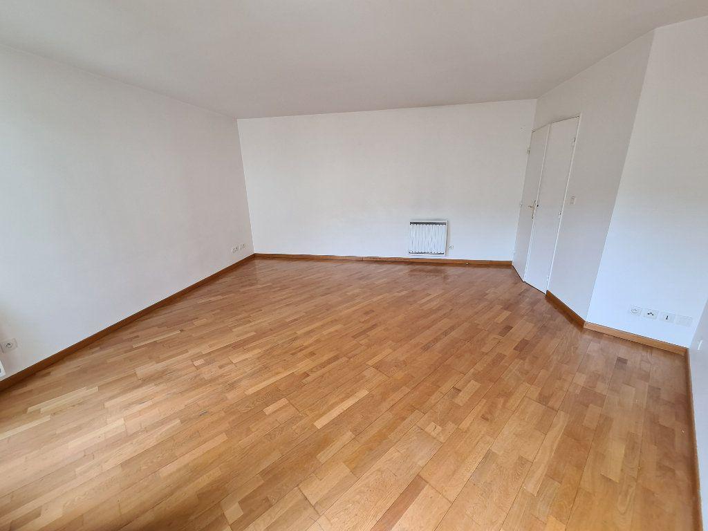Appartement à louer 4 81.1m2 à Villiers-sur-Marne vignette-2