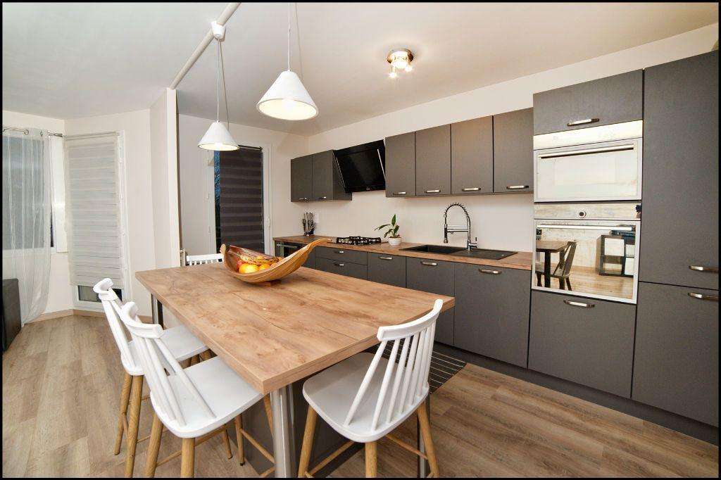 Appartement à vendre 4 84.58m2 à Villiers-sur-Marne vignette-1