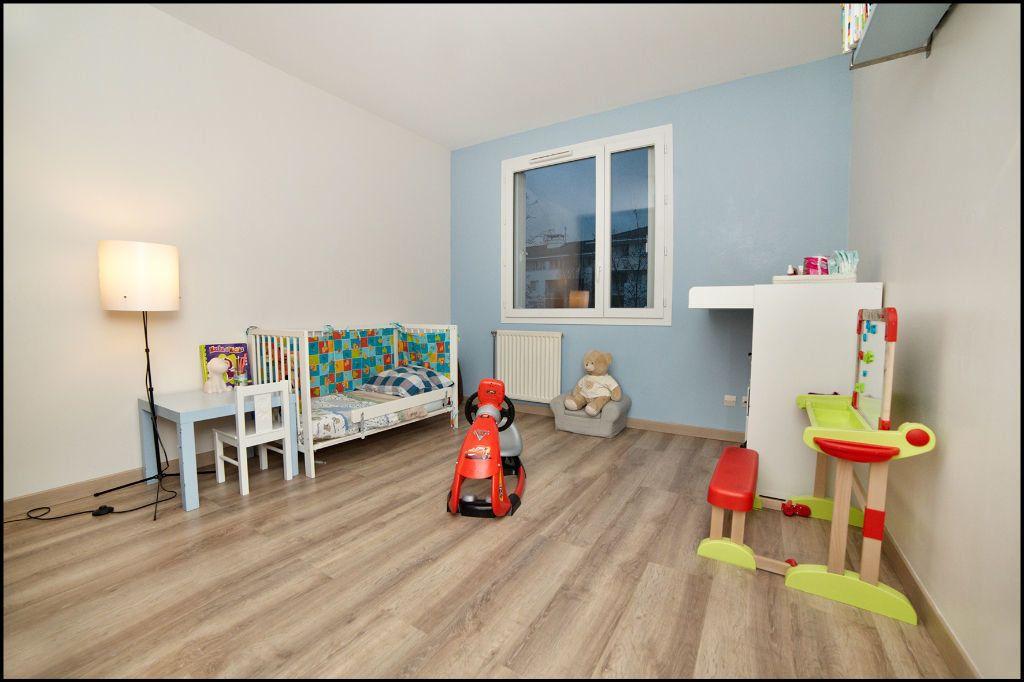 Appartement à vendre 4 84.58m2 à Villiers-sur-Marne vignette-3