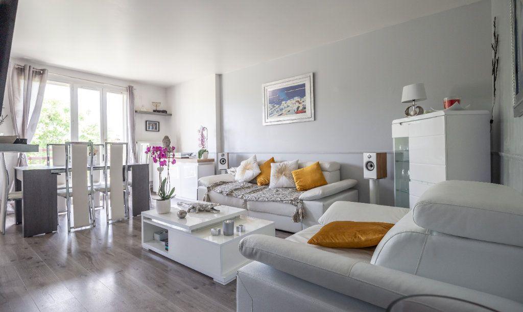 Appartement à vendre 4 84m2 à Villiers-sur-Marne vignette-1