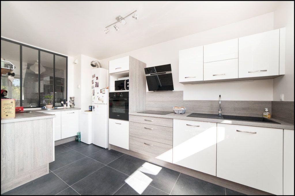 Appartement à vendre 4 84m2 à Villiers-sur-Marne vignette-3