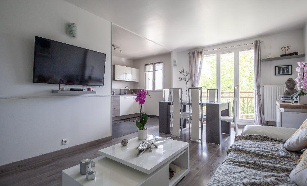Appartement à vendre 4 84m2 à Villiers-sur-Marne vignette-5