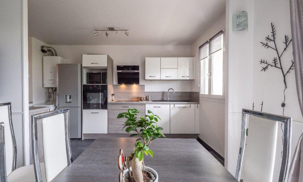 Appartement à vendre 4 84m2 à Villiers-sur-Marne vignette-6