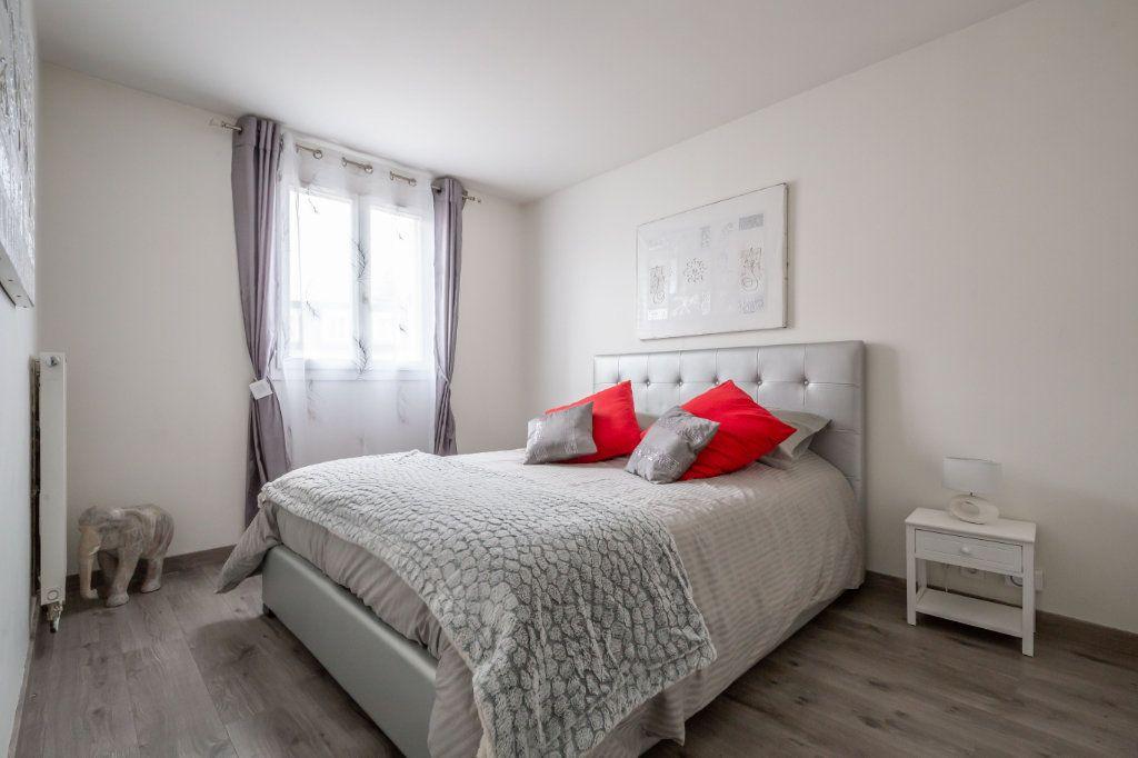 Appartement à vendre 4 84m2 à Villiers-sur-Marne vignette-11