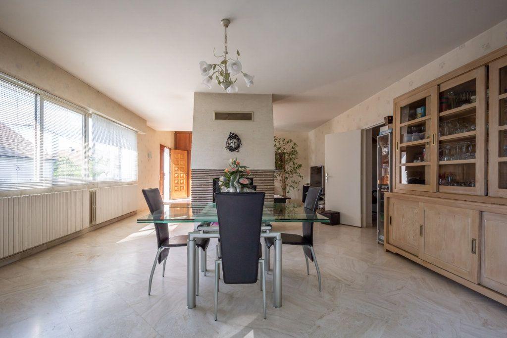 Maison à vendre 8 190m2 à Villiers-sur-Marne vignette-1