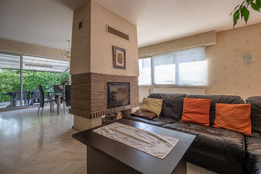 Maison à vendre 8 190m2 à Villiers-sur-Marne vignette-3