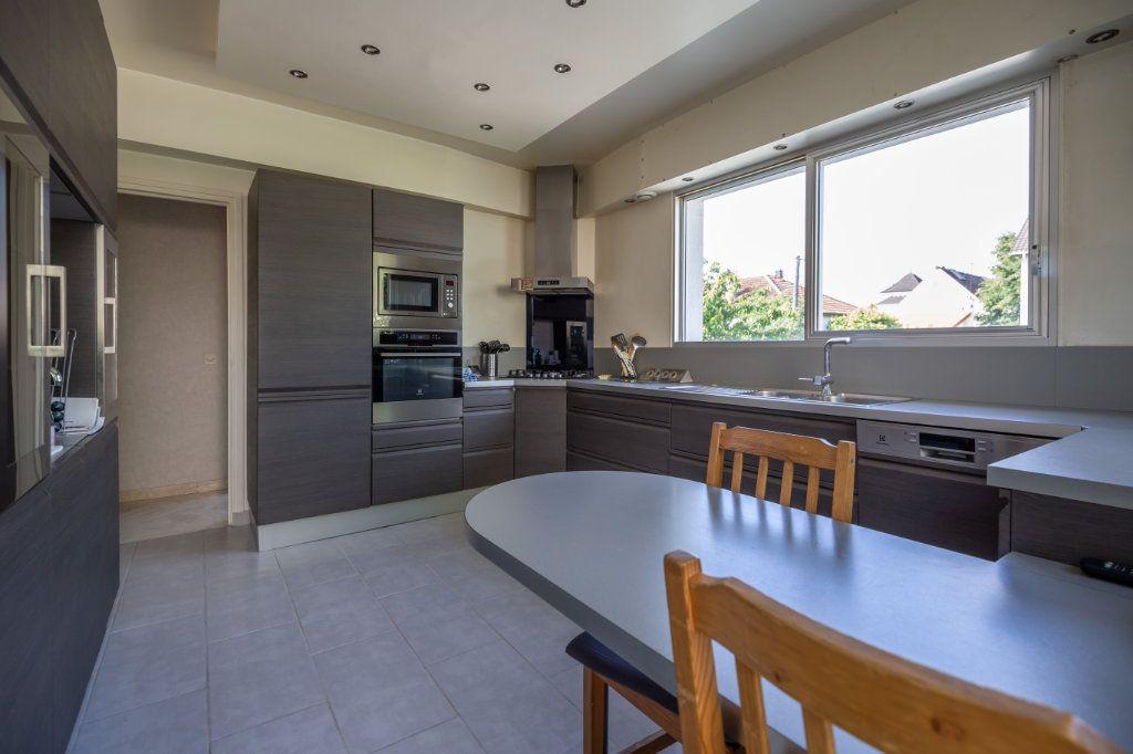 Maison à vendre 8 190m2 à Villiers-sur-Marne vignette-4