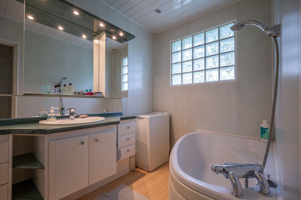 Maison à vendre 8 190m2 à Villiers-sur-Marne vignette-6