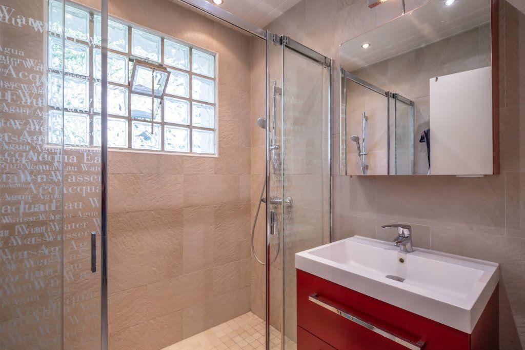 Maison à vendre 8 190m2 à Villiers-sur-Marne vignette-7