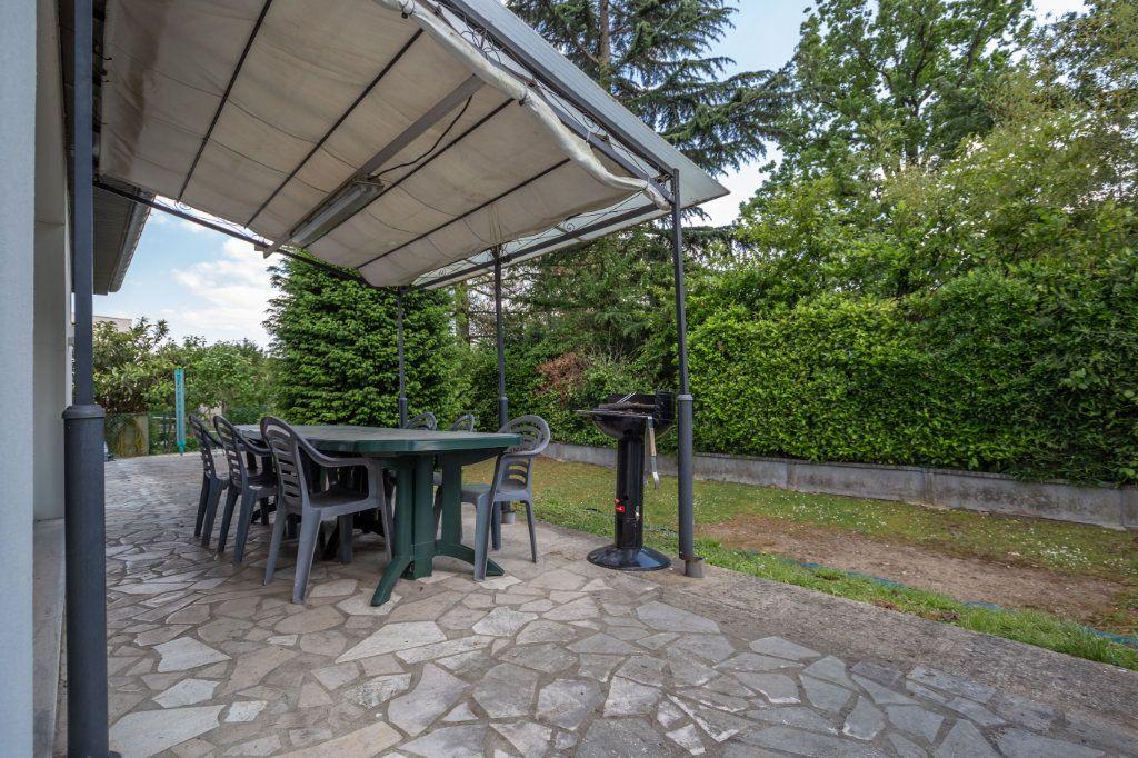 Maison à vendre 8 190m2 à Villiers-sur-Marne vignette-8
