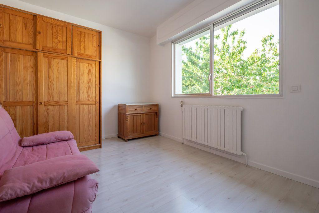 Maison à vendre 8 190m2 à Villiers-sur-Marne vignette-12