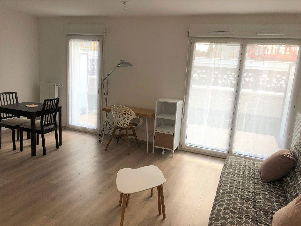 Appartement à louer 1 32.53m2 à Villiers-sur-Marne vignette-1