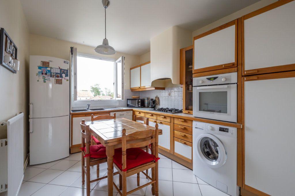 Appartement à vendre 5 109.9m2 à Villiers-sur-Marne vignette-3