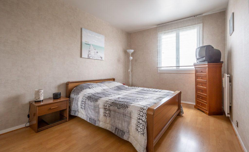 Appartement à vendre 5 109.9m2 à Villiers-sur-Marne vignette-5
