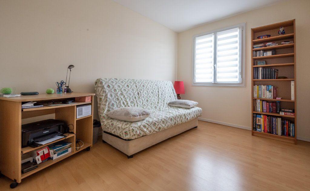 Appartement à vendre 5 109.9m2 à Villiers-sur-Marne vignette-7