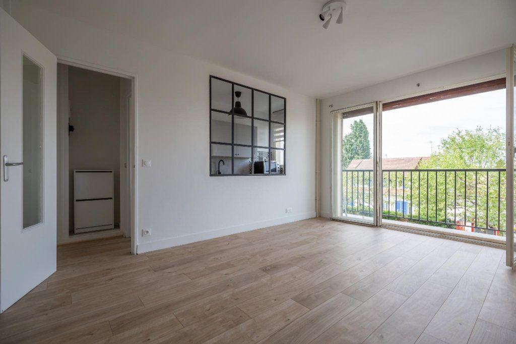 Appartement à louer 1 25.93m2 à Saint-Maur-des-Fossés vignette-1