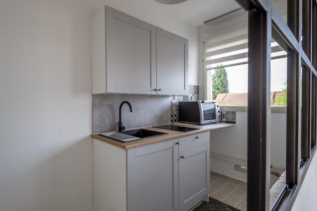 Appartement à louer 1 25.93m2 à Saint-Maur-des-Fossés vignette-4
