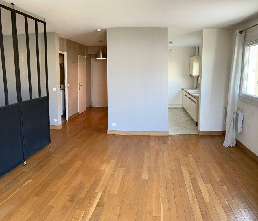 Appartement à louer 2 55.4m2 à Villiers-sur-Marne vignette-1