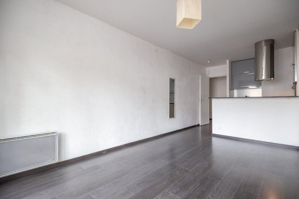 Appartement à vendre 1 27.64m2 à Noisy-le-Grand vignette-3