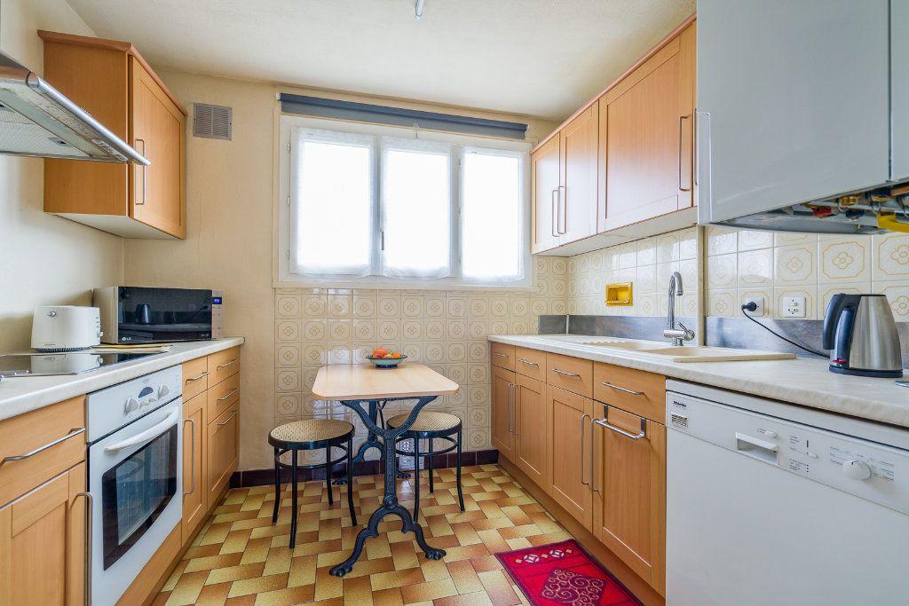 Appartement à vendre 4 63.05m2 à Villiers-sur-Marne vignette-3