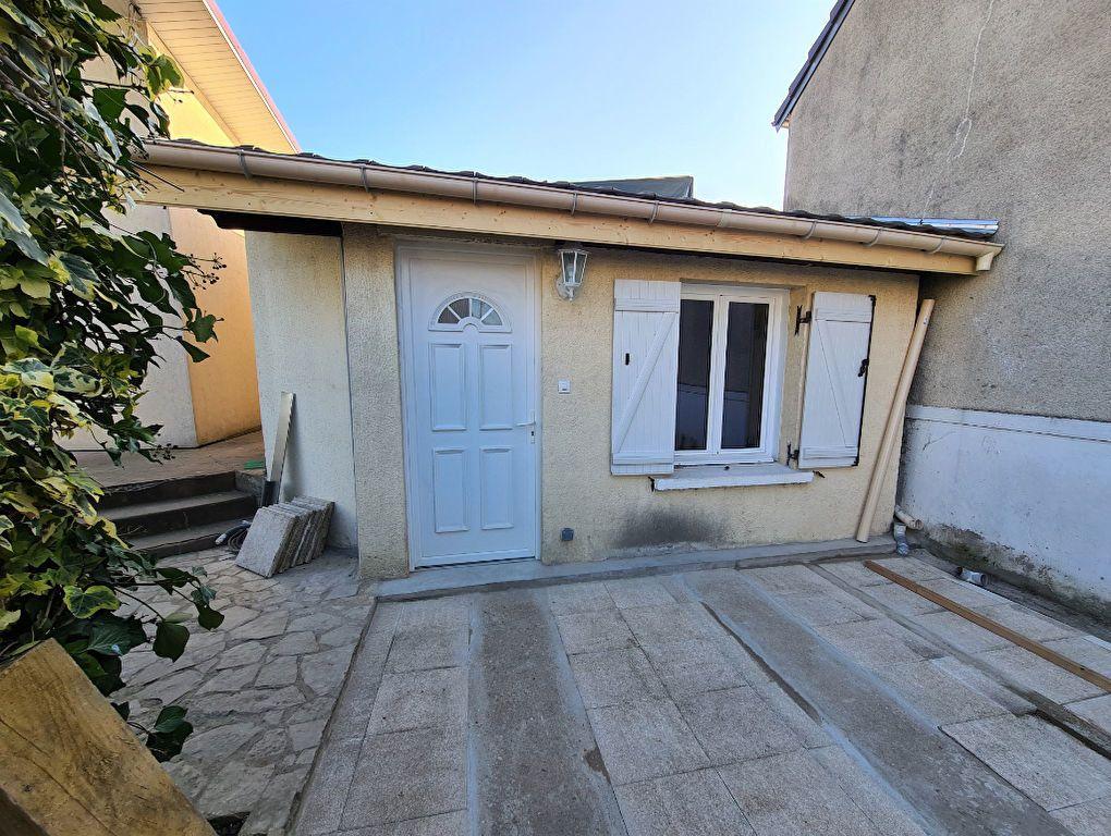 Maison à louer 3 60.34m2 à Pontault-Combault vignette-7