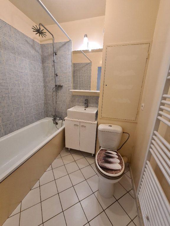 Appartement à louer 2 37.87m2 à Noisy-le-Grand vignette-5