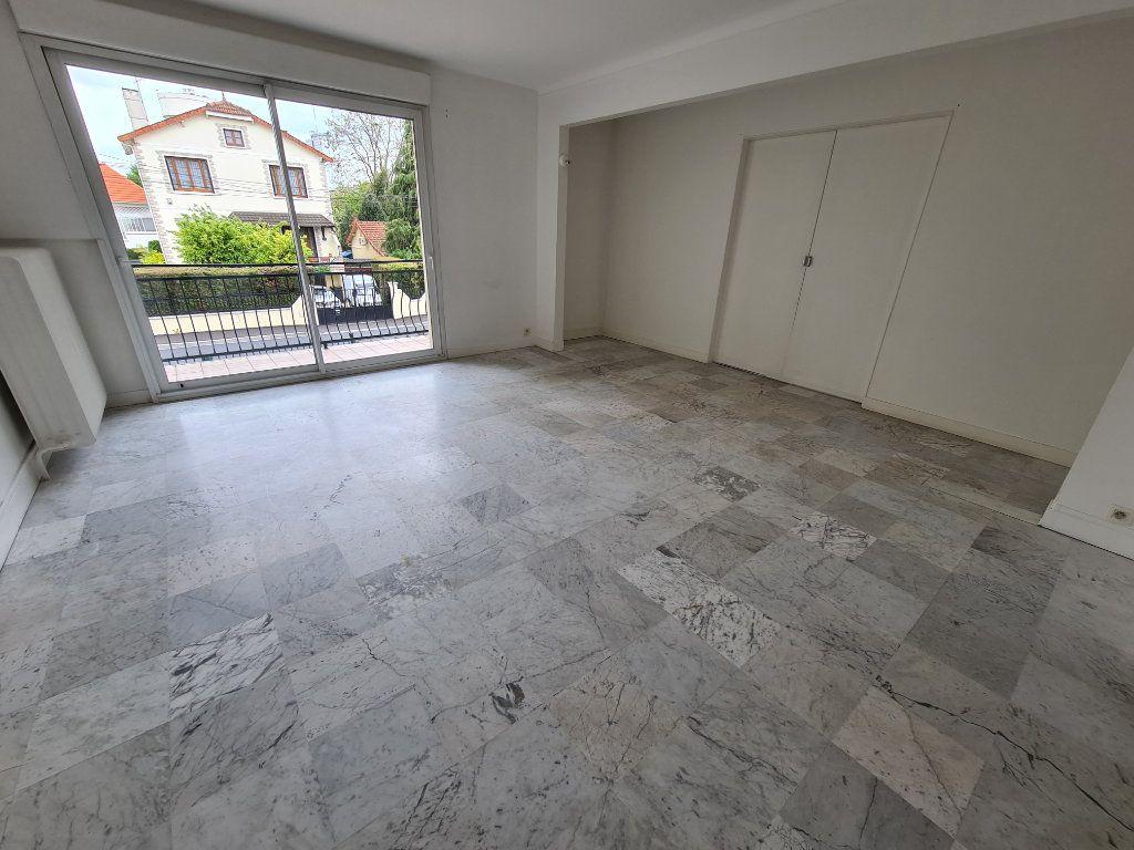 Appartement à louer 3 84m2 à Champigny-sur-Marne vignette-1