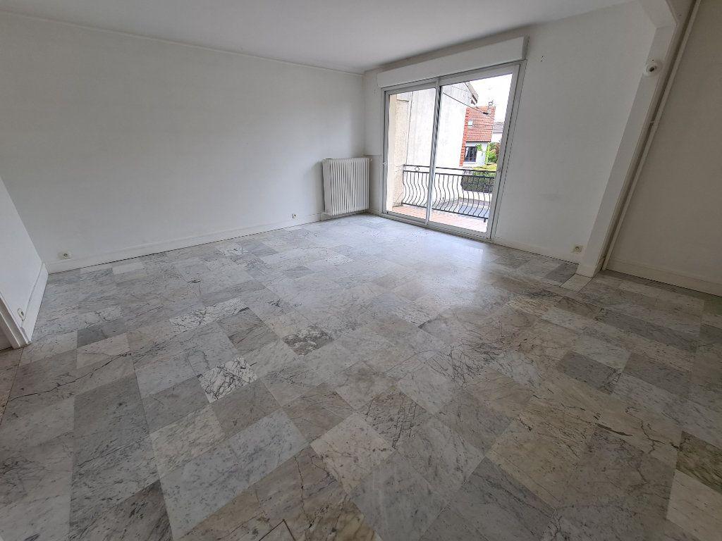 Appartement à louer 3 84m2 à Champigny-sur-Marne vignette-2