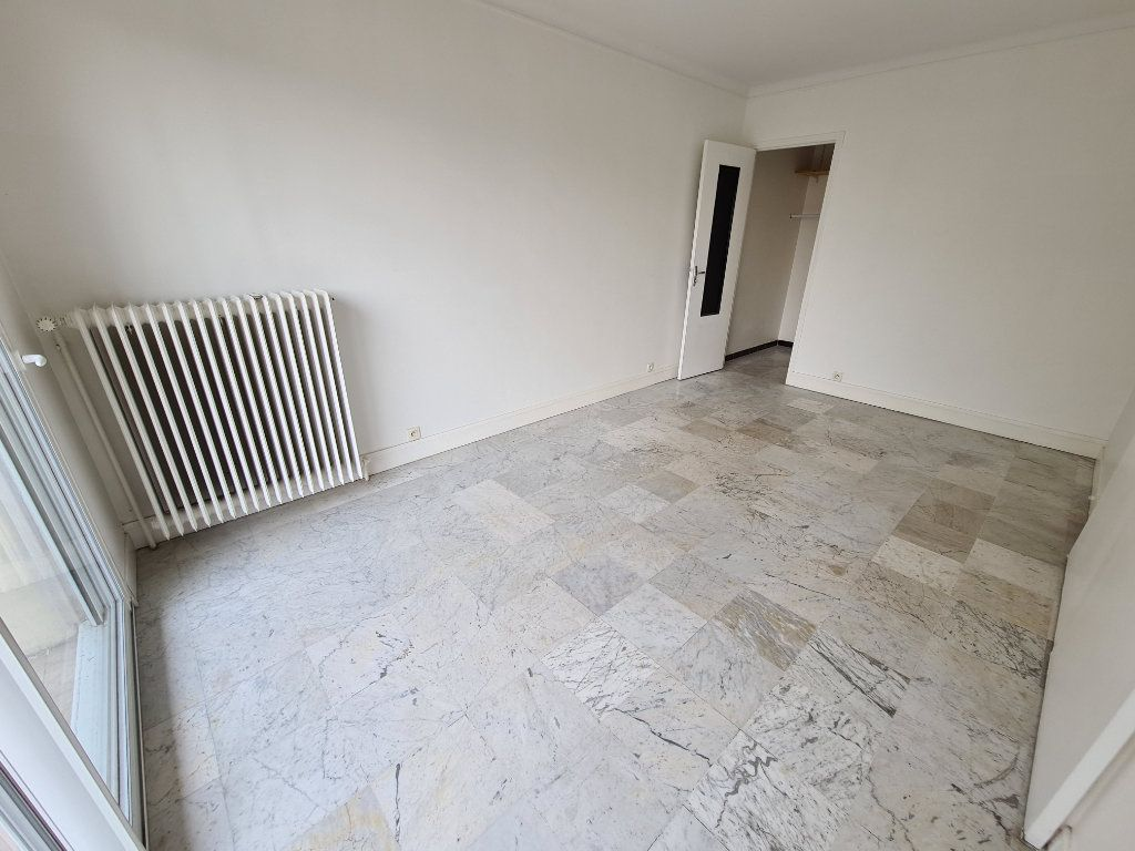 Appartement à louer 3 84m2 à Champigny-sur-Marne vignette-8