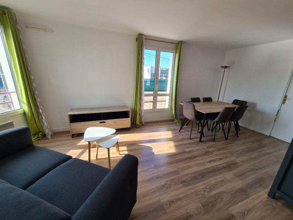 Appartement à louer 3 58.25m2 à Gournay-sur-Marne vignette-2