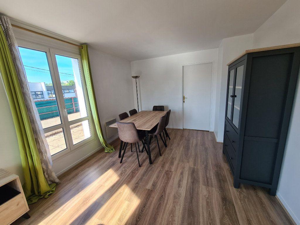 Appartement à louer 3 58.25m2 à Gournay-sur-Marne vignette-3