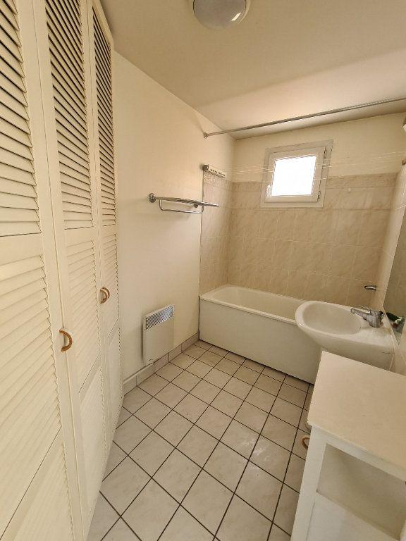 Appartement à louer 3 58.25m2 à Gournay-sur-Marne vignette-9