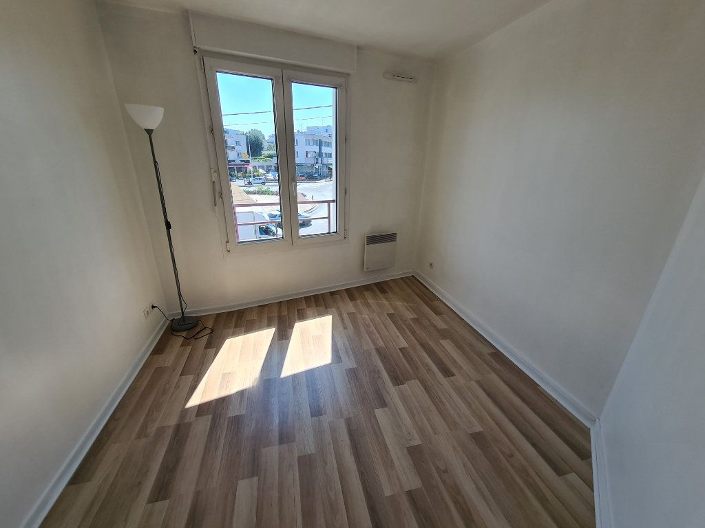 Appartement à louer 3 58.25m2 à Gournay-sur-Marne vignette-10
