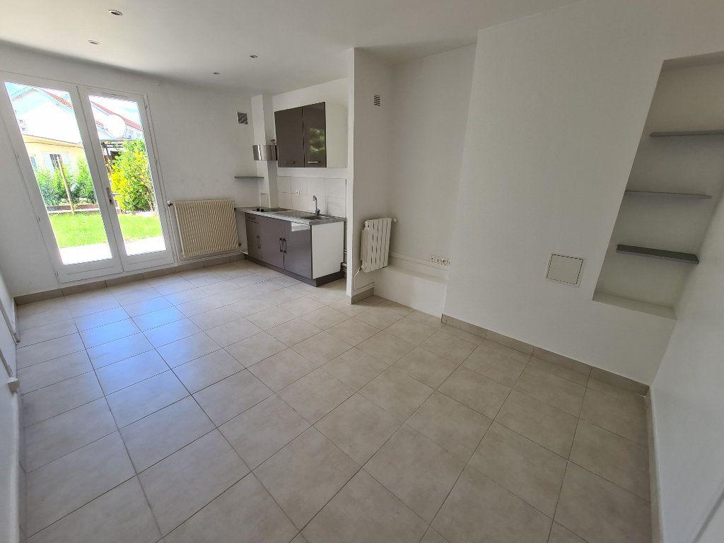 Appartement à louer 1 19.15m2 à Champigny-sur-Marne vignette-1