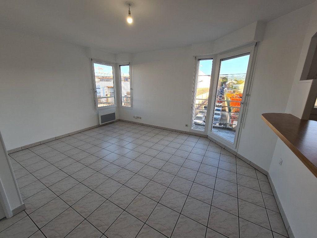 Appartement à louer 2 41.16m2 à Noisy-le-Grand vignette-1