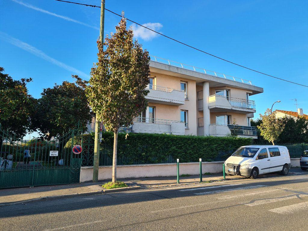 Appartement à louer 2 41.16m2 à Noisy-le-Grand vignette-8