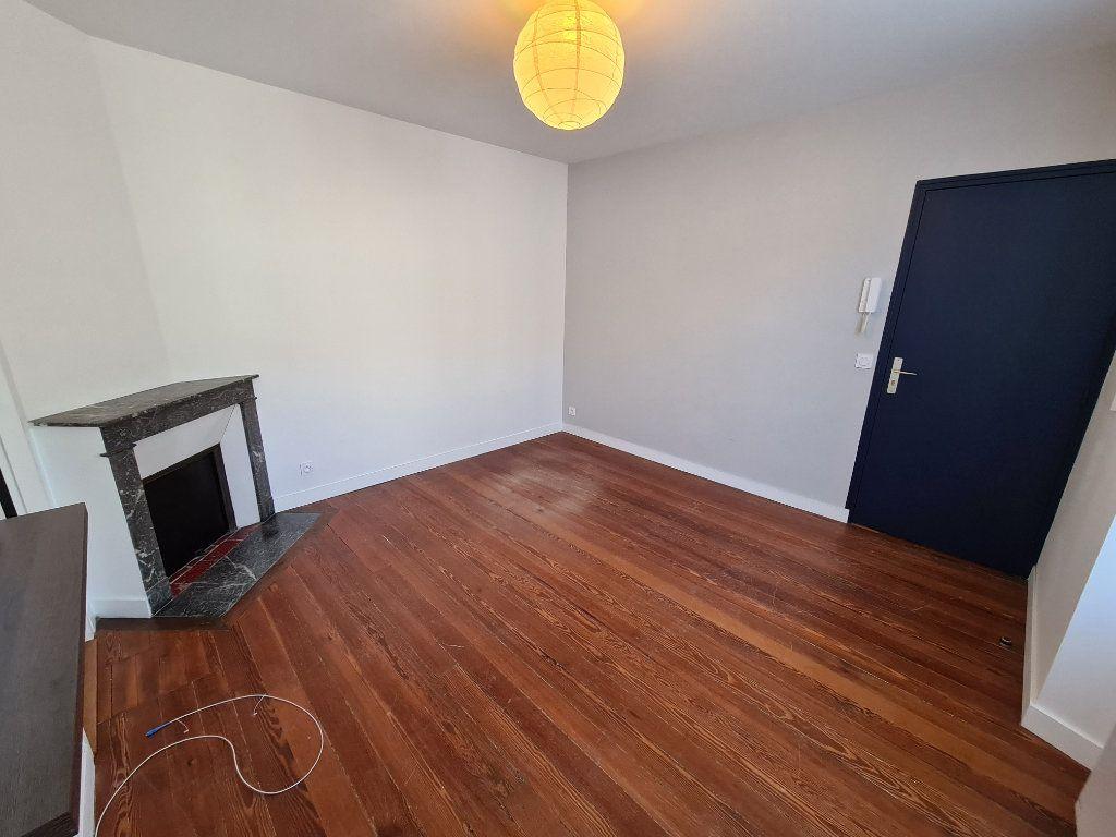 Appartement à louer 1 22m2 à Lagny-sur-Marne vignette-2
