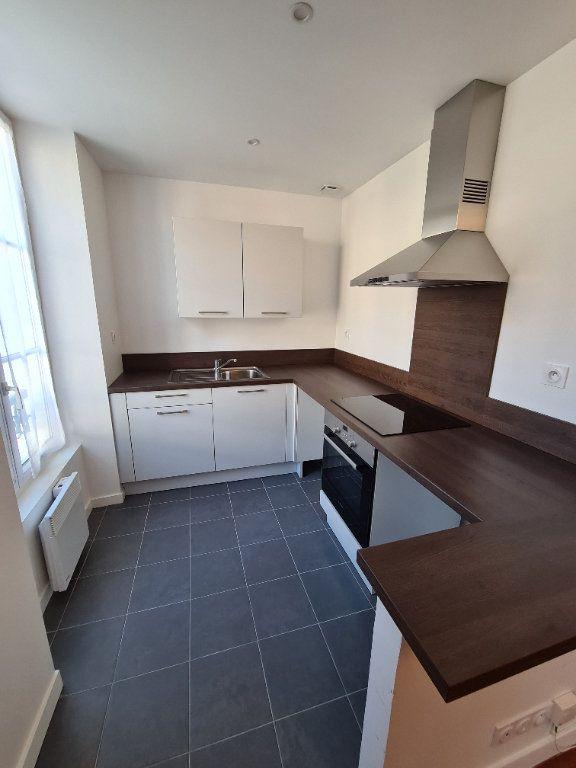 Appartement à louer 1 22m2 à Lagny-sur-Marne vignette-3
