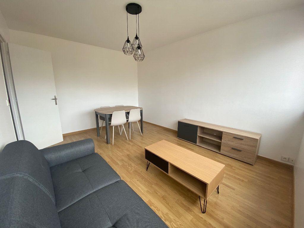Appartement à louer 2 44.62m2 à Le Plessis-Trévise vignette-2
