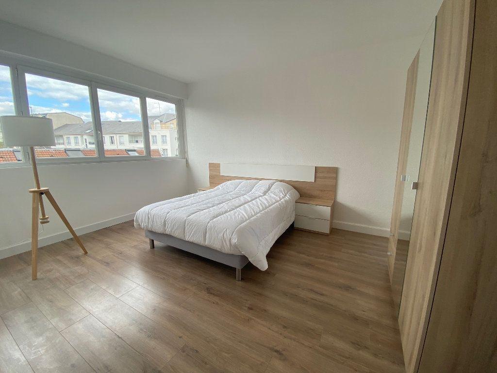 Appartement à louer 2 44.62m2 à Le Plessis-Trévise vignette-4