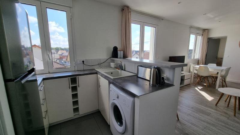Appartement à louer 2 39.48m2 à Pontault-Combault vignette-3