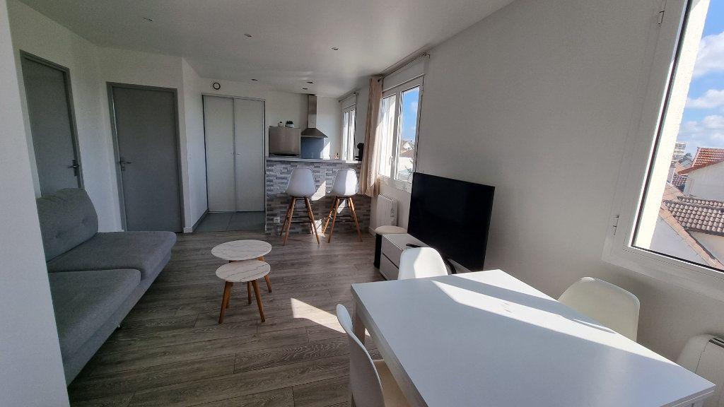 Appartement à louer 2 39.48m2 à Pontault-Combault vignette-4