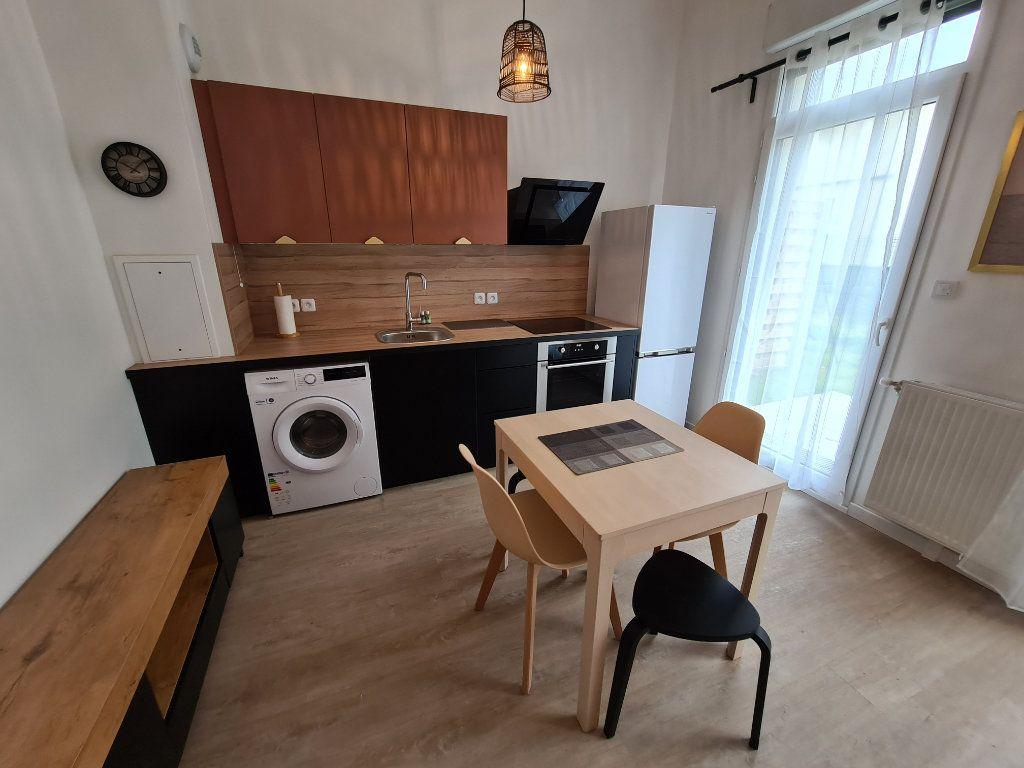 Appartement à louer 1 27.19m2 à Gagny vignette-3