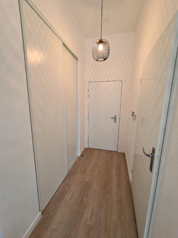 Appartement à louer 1 27.19m2 à Gagny vignette-5
