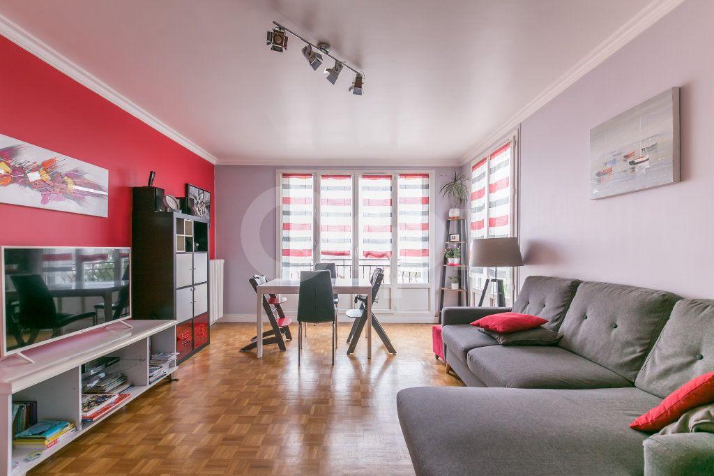Appartement à vendre 3 69.86m2 à Saint-Maur-des-Fossés vignette-1